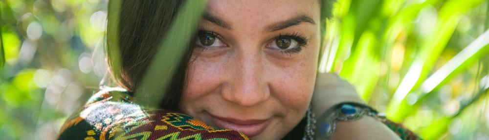 Sara Lugo enchante avec la vidéo de Flowaz sur l'Ep Elevate