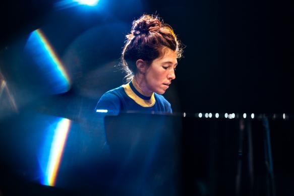 Rouge, le nouveau projet de la pianiste Madeleine Cazenave vaut le détour